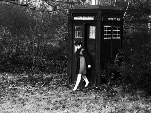 Look at the state of that bloody Tardis. Wiles, the genius, double booked the prop so this travesty actually appeared on screen. FFS John.